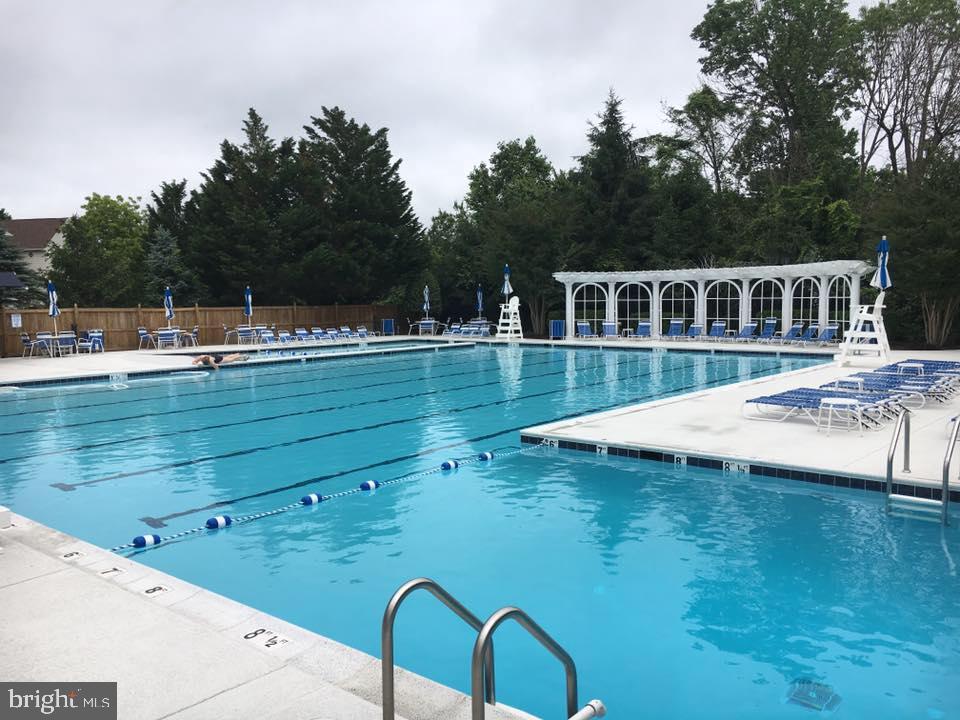 Barrington Community Pool - 7900 GREENEBROOK CT, FAIRFAX STATION