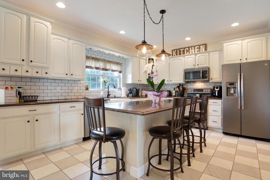 Stainless steel appliances - 814 ASHBY STATION RD, FRONT ROYAL