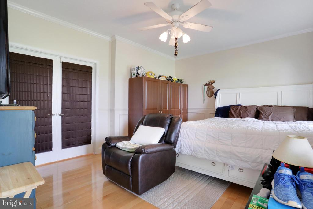 Dining room is currently being used as a bedroom - 814 ASHBY STATION RD, FRONT ROYAL