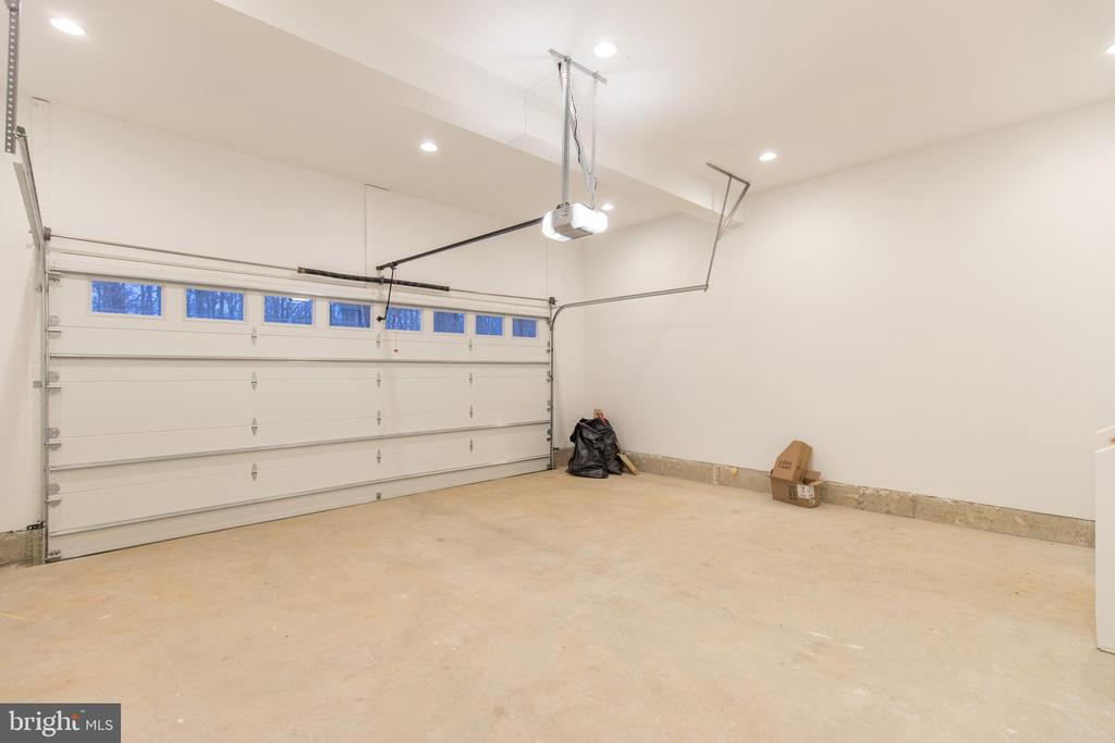 2-car garage - 8317 ROLLING RD, SPRINGFIELD