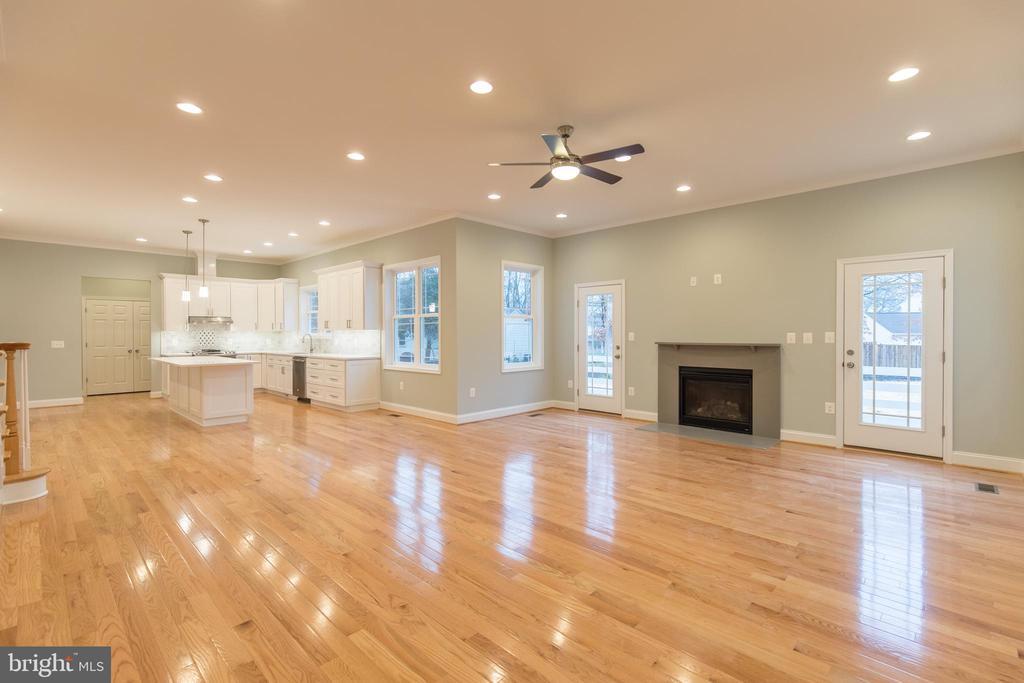 Open Concept Floor Plan - 8317 ROLLING RD, SPRINGFIELD