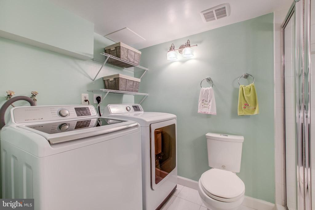 High End Washer and Dryer - 3232 S STAFFORD ST, ARLINGTON