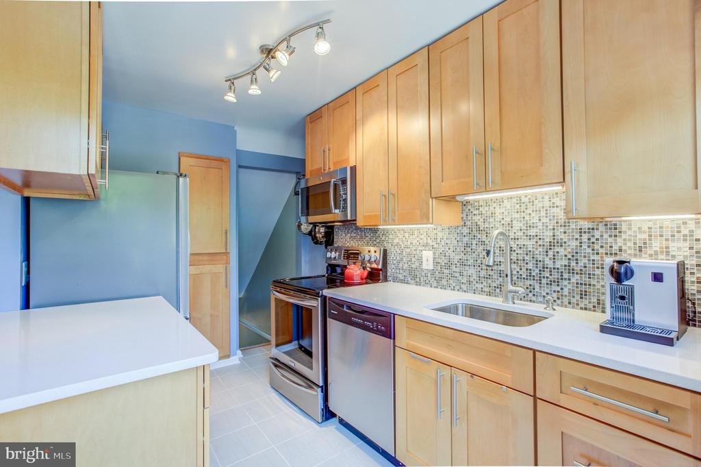 Fabulous Renovation Choices - 3232 S STAFFORD ST, ARLINGTON
