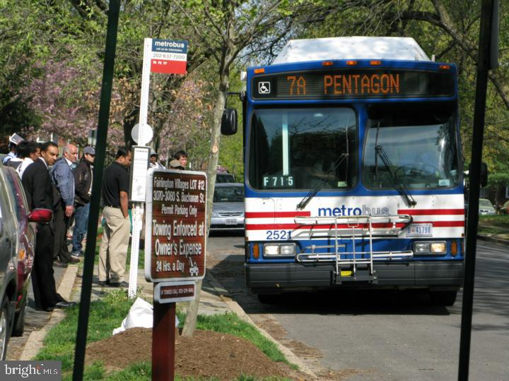 Commute -Last on and 1st Off -7 Min to Pentagon - 3232 S STAFFORD ST, ARLINGTON