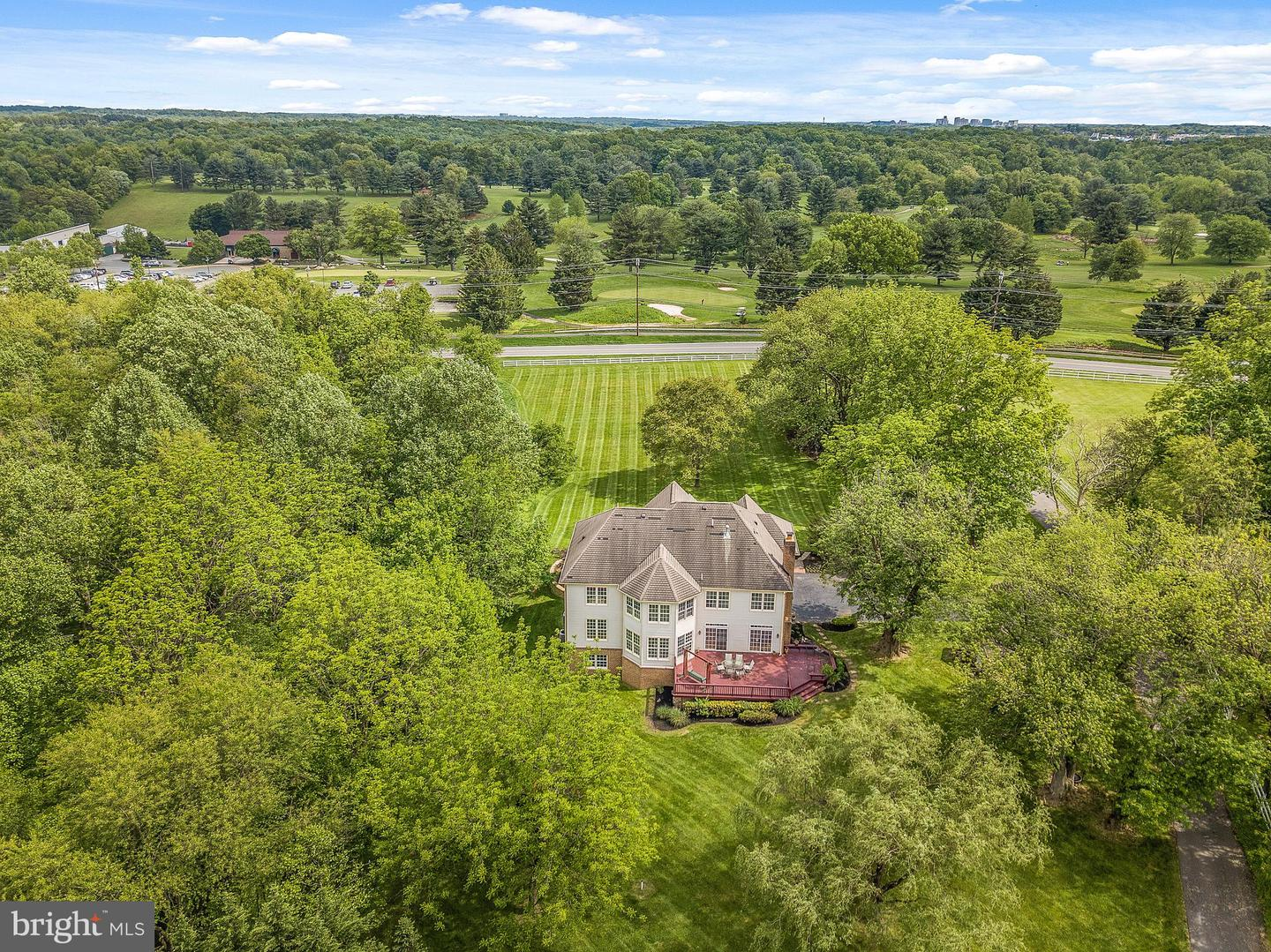 Additional photo for property listing at  Derwood, Maryland 20855 États-Unis
