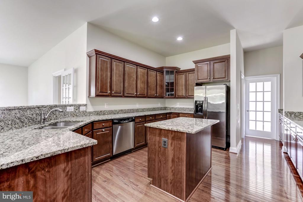 Granite countertops - 43800 GRANTNER PL, ASHBURN
