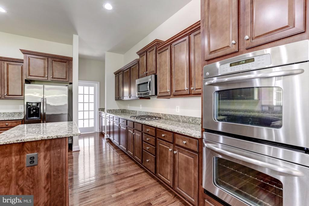 Gourmet Kitchen - 43800 GRANTNER PL, ASHBURN