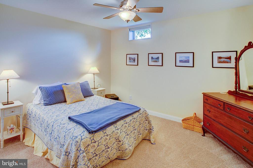 Lower level bonus room used as a guest room. - 41045 STUMPTOWN RD, WATERFORD
