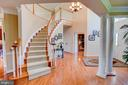 Welcome your guests in this grand entry. - 41045 STUMPTOWN RD, WATERFORD