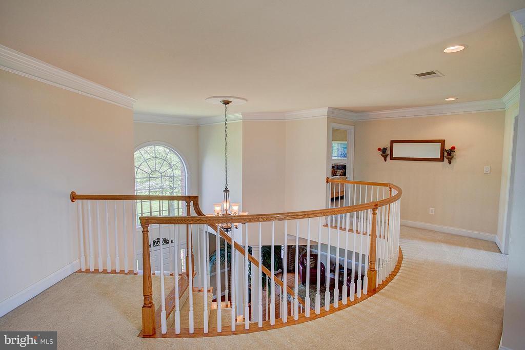 Beautiful curved railing. - 41045 STUMPTOWN RD, WATERFORD