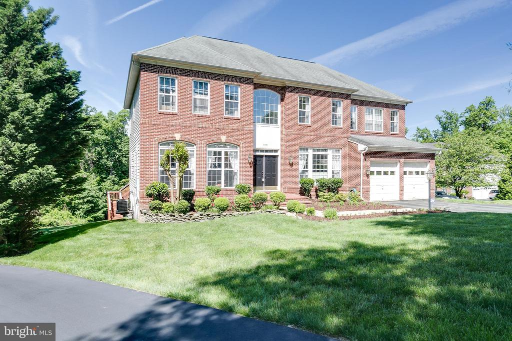 7106  AYERS MEADOW LANE, West Springfield, Virginia