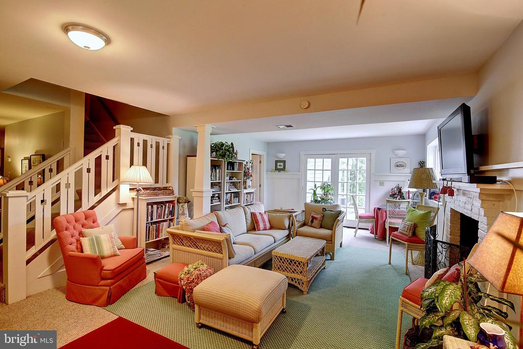 Lower Level Rec Room - 7017 UNION MILL RD, CLIFTON