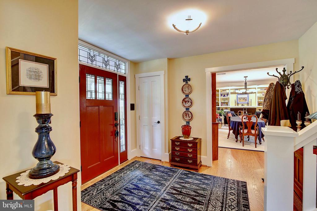 Foyer - 7017 UNION MILL RD, CLIFTON