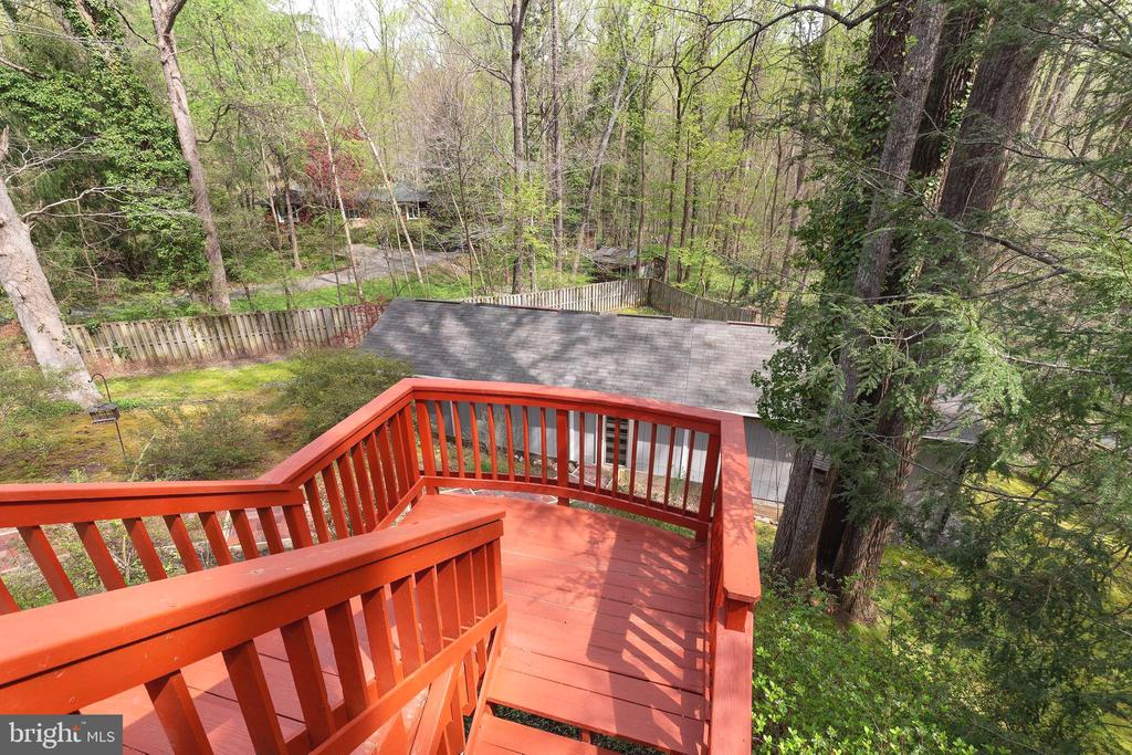 Wrap Around Deck- stairs to the Patio below - 7207 OLDE LANTERN WAY, SPRINGFIELD