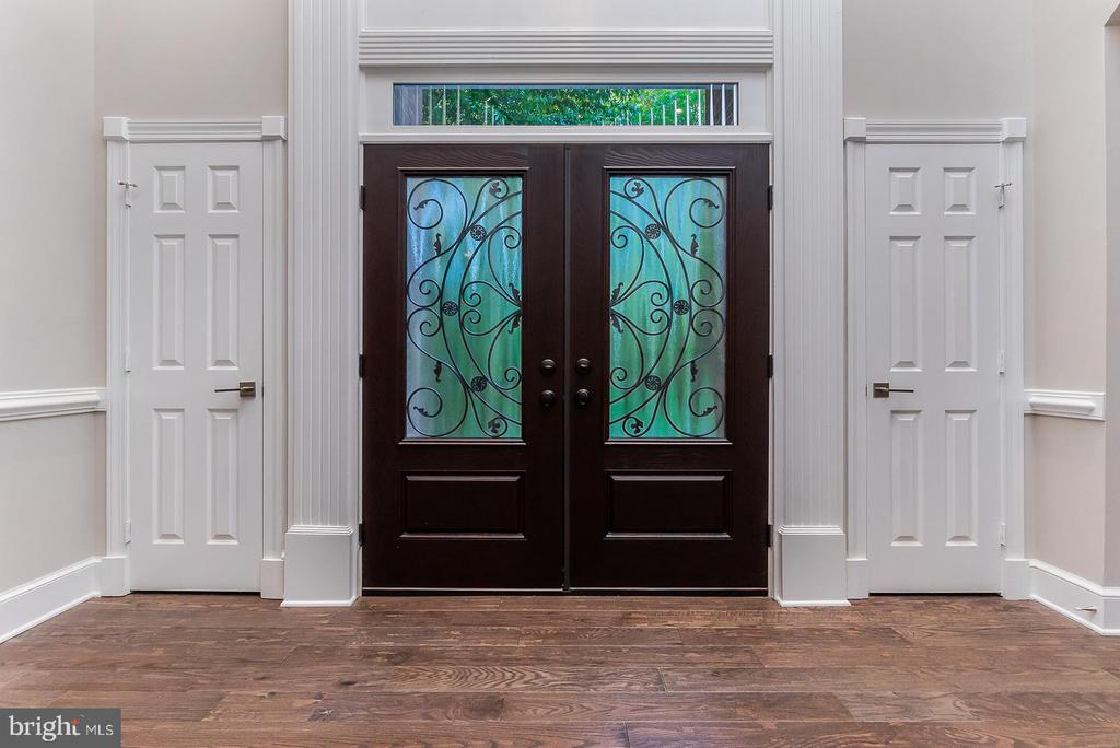 Custom front door! - 10630 TIMBERIDGE RD, FAIRFAX STATION
