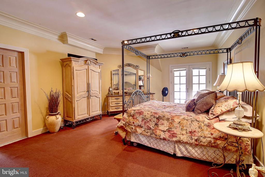 Second Master Bedroom Upstairs - 2180 HUNTER MILL RD, VIENNA