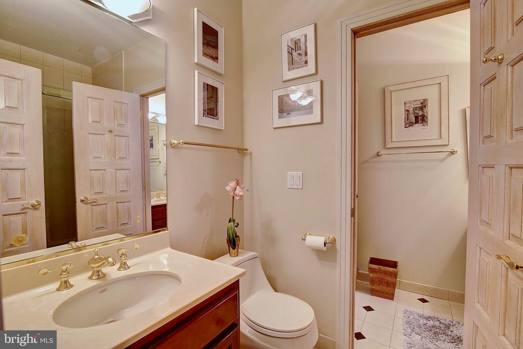 Jack & Jill Bathroom Upstairs - 2180 HUNTER MILL RD, VIENNA