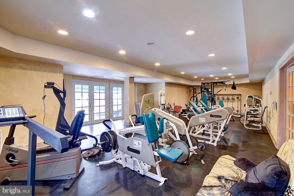 Fitness Center with access outside - 2180 HUNTER MILL RD, VIENNA