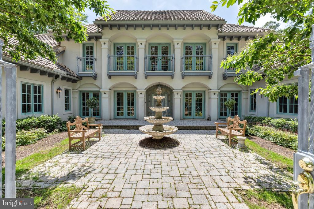 An Entertainer's Dream Home - 2180 HUNTER MILL RD, VIENNA