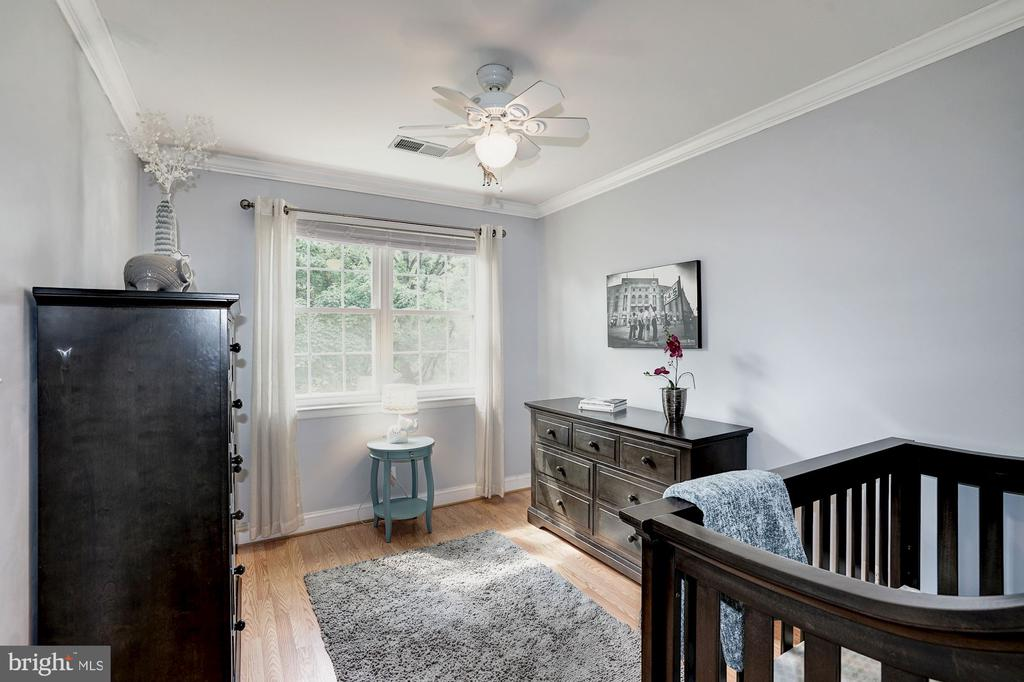 Sunny bedroom two with ceiling fan - 4600 28TH RD S #D, ARLINGTON