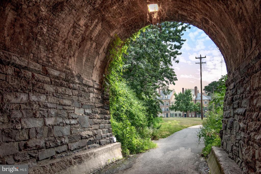 Old Town Alexandria walking and biking trails. - 703 POTOMAC ST, ALEXANDRIA