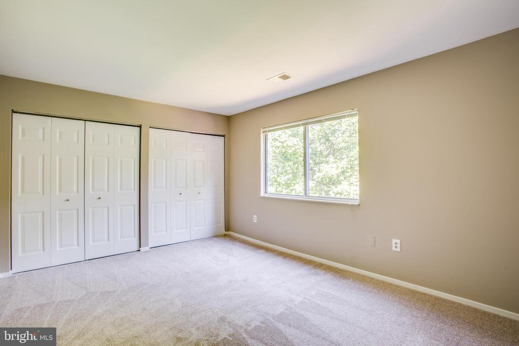 Second bedroom on the second level - 3456 CALEDONIA CIR, WOODBRIDGE