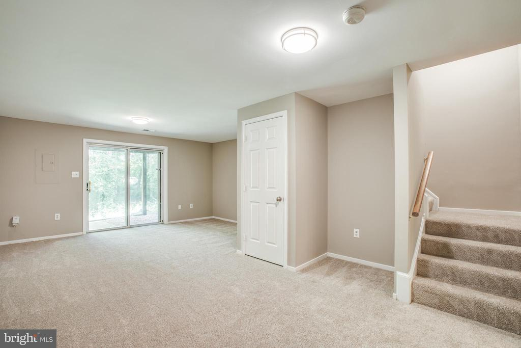 Large, open basement with slider walk-out - 3456 CALEDONIA CIR, WOODBRIDGE