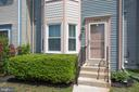 Freshly powerwashed, painted and landscaped - 3456 CALEDONIA CIR, WOODBRIDGE