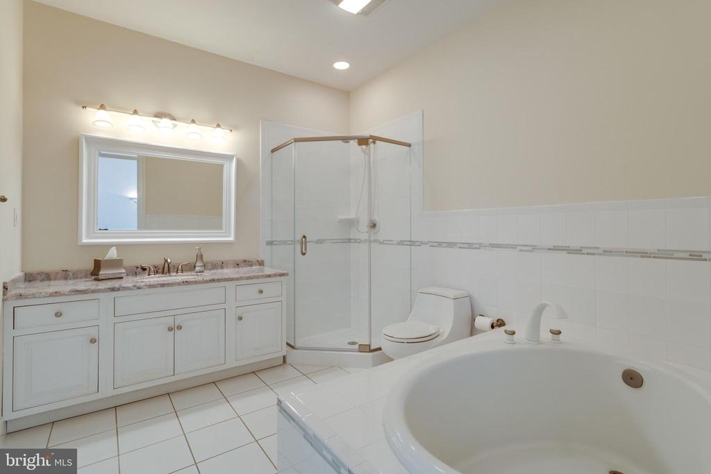 Private Bath for BR 3 - 10010 HIGH HILL PL, GREAT FALLS