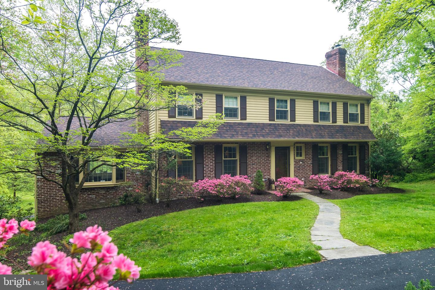 Photo of home for sale at 857 Milmar Road, Newtown Square PA