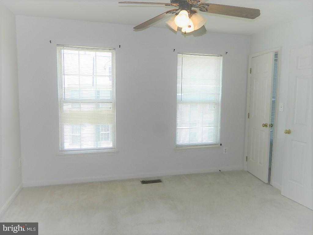 Third Level Second Bedroom - 25485 FLYNN LN, CHANTILLY