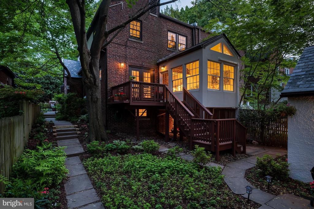 Best of North Cleveland Park - 3631 VAN NESS ST NW, WASHINGTON