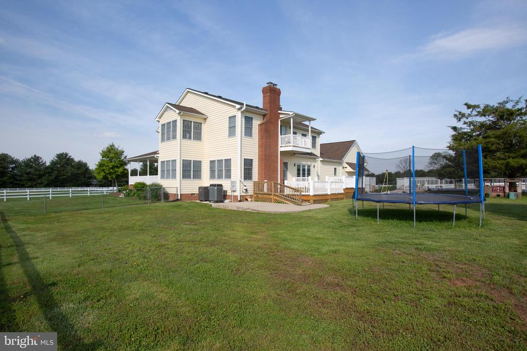 Huge back yard as well for play area-10acres - 7411 SNOW HILL DR, SPOTSYLVANIA