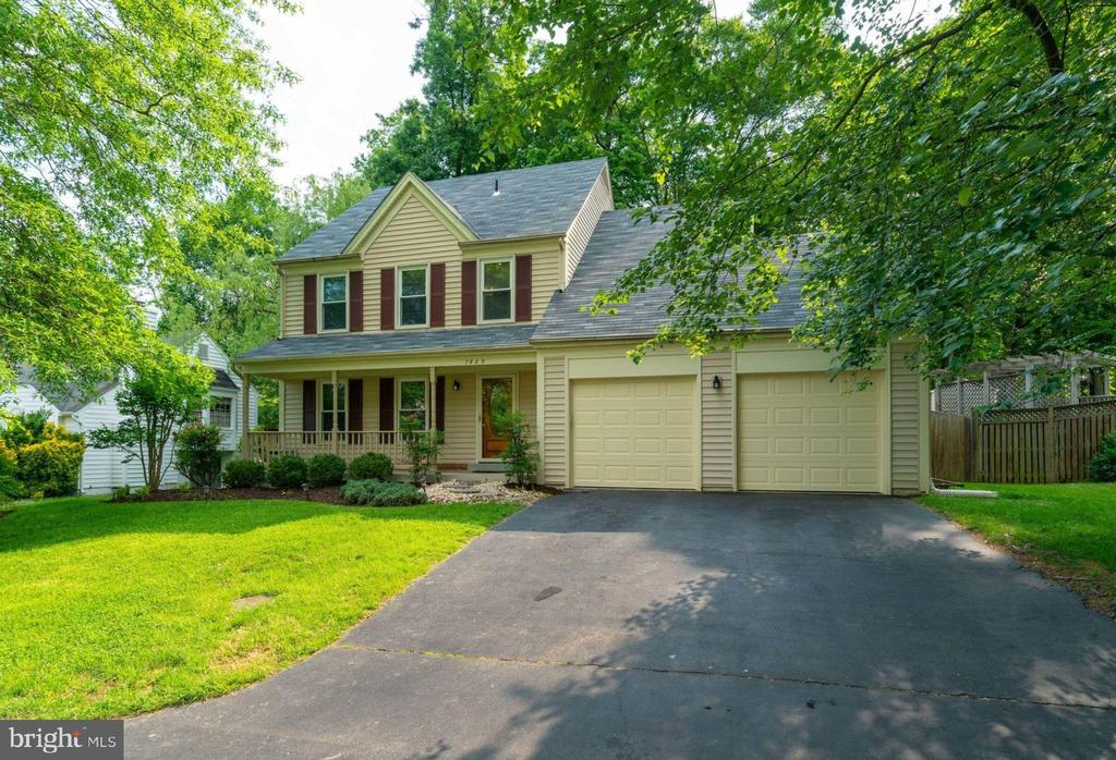 One of Springfield 4 Bedroom Homes for Sale at 7809  RED TULIP COURT