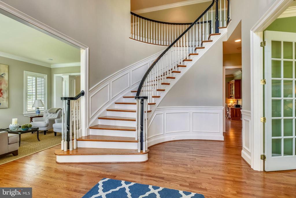 Two Story Entry Way - 41371 RASPBERRY DR, LEESBURG