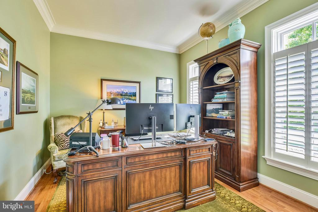 Main Level Office with Plantation Shutters - 41371 RASPBERRY DR, LEESBURG