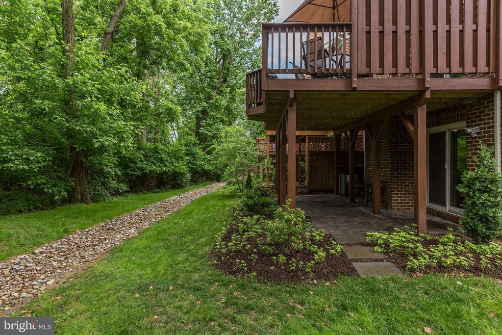 Rear exterior - 5912 EDSON LN, ROCKVILLE