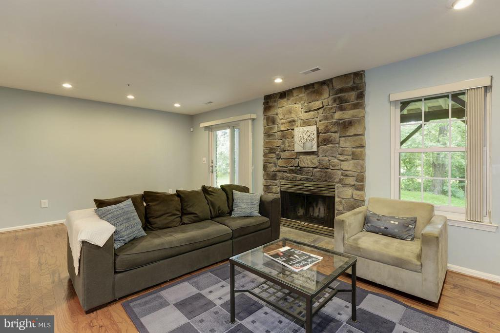 Family room - 5912 EDSON LN, ROCKVILLE