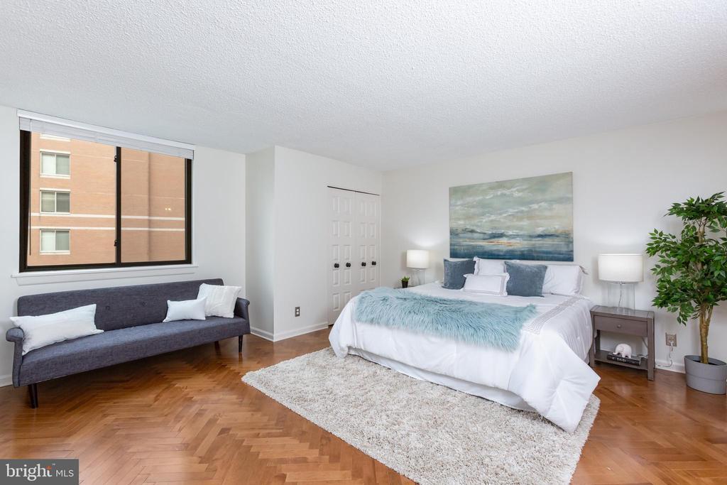 Master bedroom - 3800 FAIRFAX DR #705, ARLINGTON