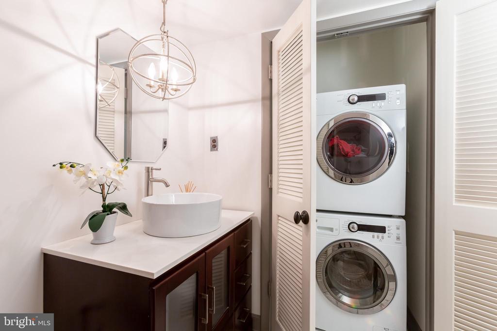 Laundry - 3800 FAIRFAX DR #705, ARLINGTON