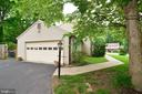 Side load garage w/ bonus driveway space! - 2708 VIKING DR, HERNDON
