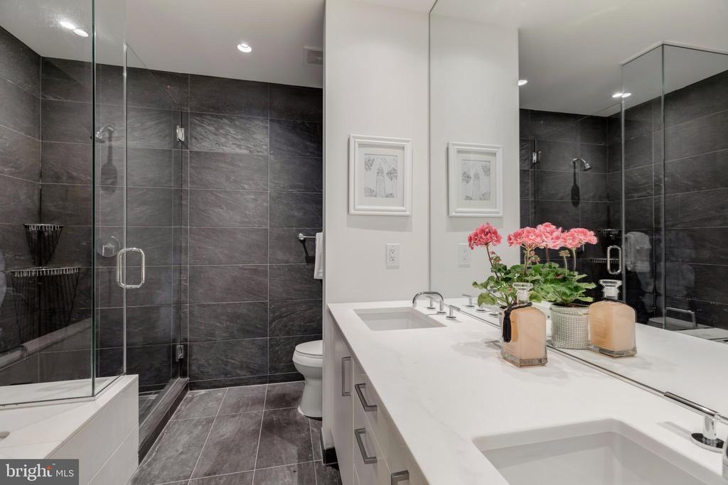 OWNER'S BATH - 1177 22ND ST NW #9-F, WASHINGTON