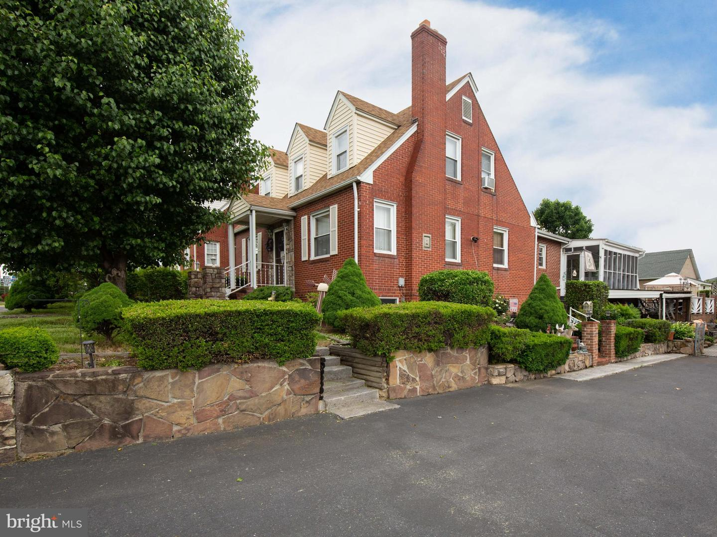 Additional photo for property listing at 137 W 14th St Front Royal, Virginia 22630 United States