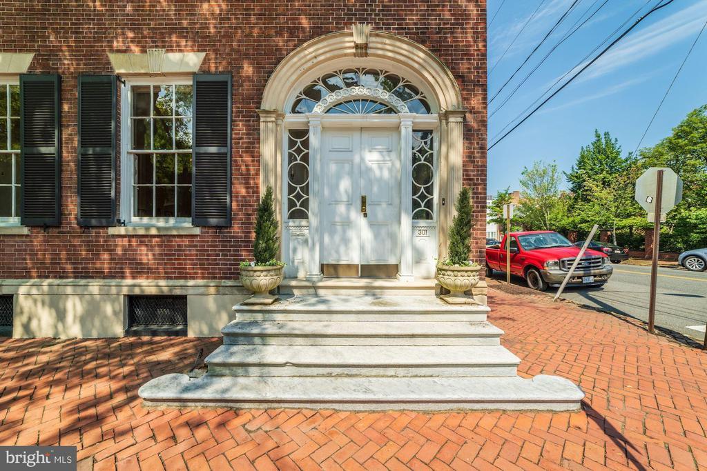 Famous Front Door Detail - 301 S SAINT ASAPH ST, ALEXANDRIA