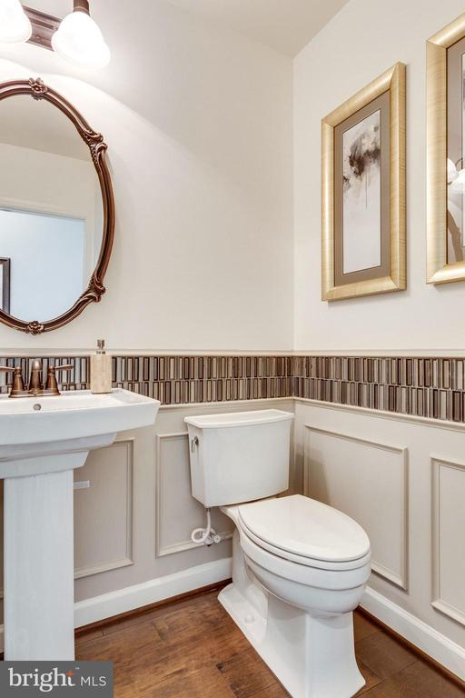 Powder Room w/ Upg. fixtures - 8705 FORMATION DR, FREDERICKSBURG
