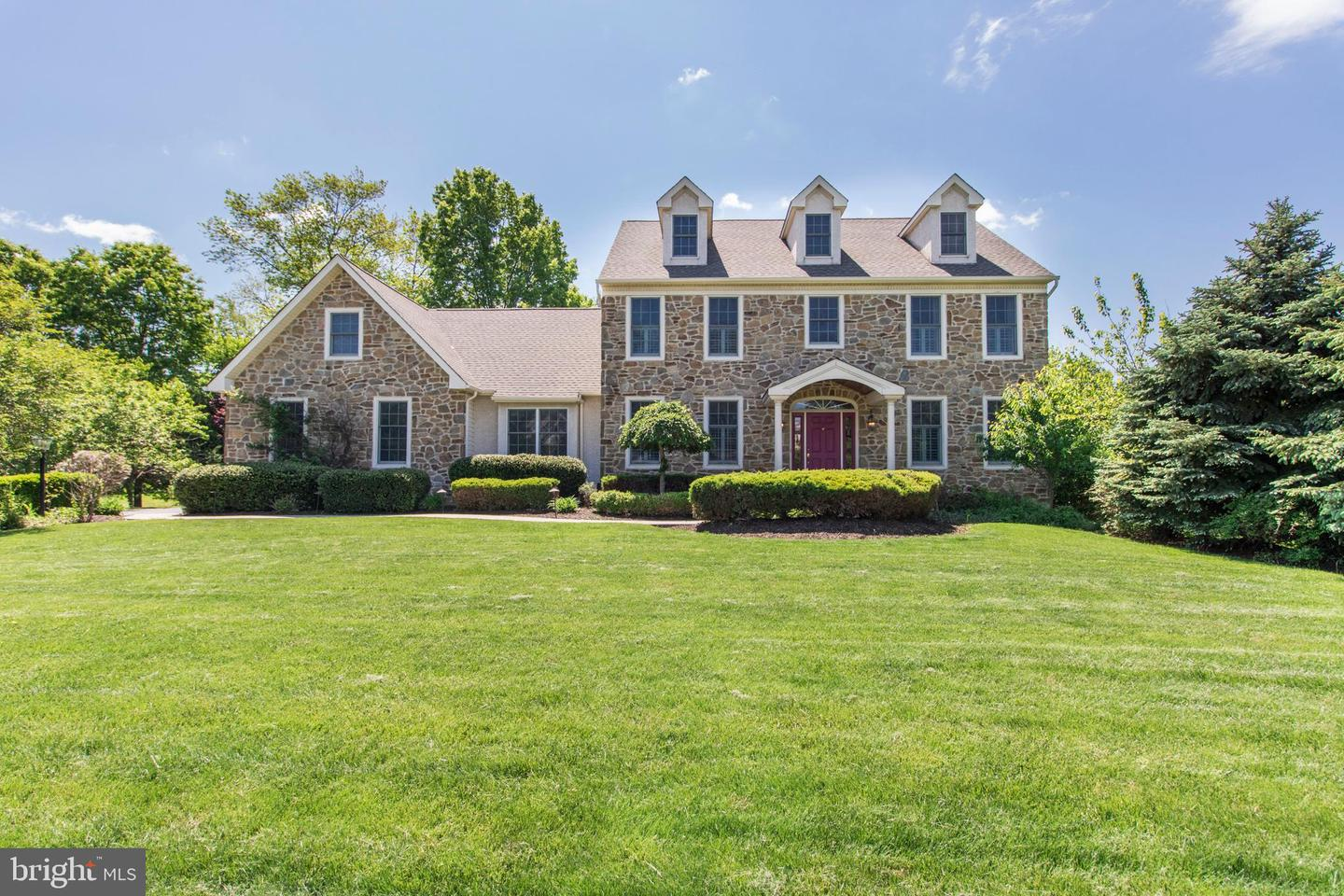 Photo of home for sale at 749 Annes Court, Lansdale PA