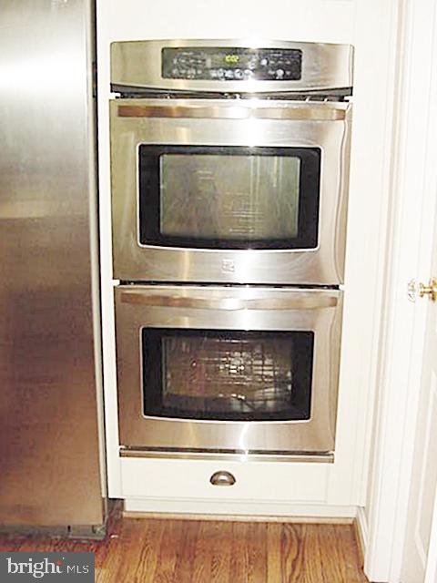 Kit 2 B-in Wall Ovens - 13086 PARK CRESCENT CIR, HERNDON
