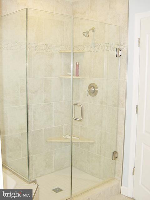 MBA Frameless Glass Shower - 13086 PARK CRESCENT CIR, HERNDON
