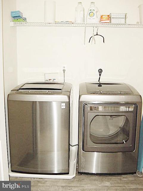 BR-level Laundry - Nu Flooring - 13086 PARK CRESCENT CIR, HERNDON
