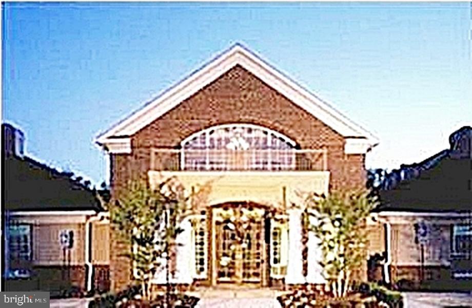 Upscale Amenities-Community Center - 13086 PARK CRESCENT CIR, HERNDON